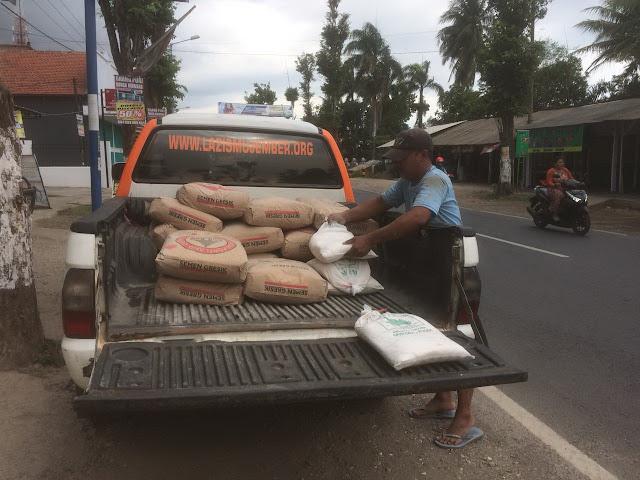 Mobil Lazismu Jember siap angkut material bedah rumah di Bangsalsari