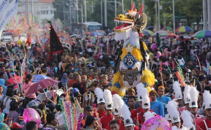 10 Tradisi Unik di Indonesia - Kamera Budaya