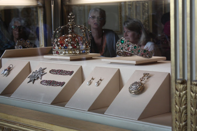 Crowns and jewels from the Louvre