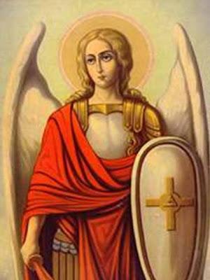 En la imagen un angel armado con espada y escudo.