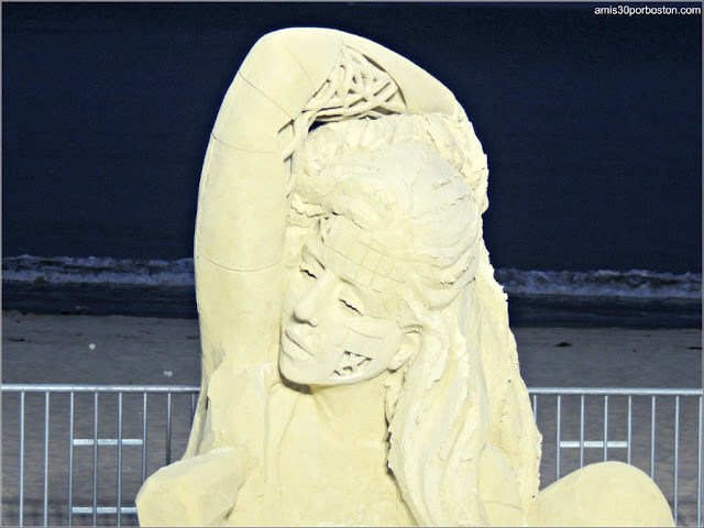 Esculturas de Arena de Revere Beach: Self-Builder de Melineige Beauregard