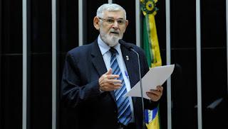 Couto critica aumentos sucessivos de combustíveis no Brasil.