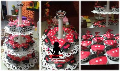 Paket Kue Pernikahan Gedung Cupcake tier Stand