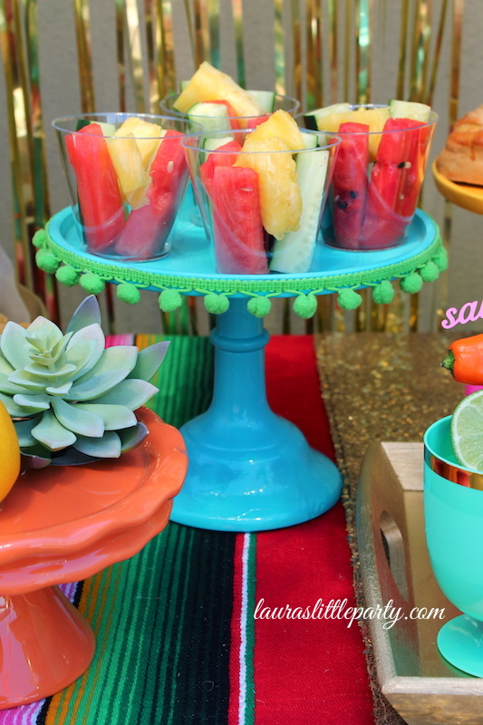 Fiesta party ideas for cinco de mayo laura 39 s little party for 5 de mayo party decoration