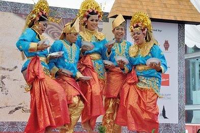 5 Seni Tari Kalimantan Barat yang Tradisional