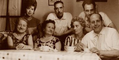 Àngel Ribera con Júlia Maldonado, Santiago Monerris, Salut Ricard y Salvador Vila-Sala en 1961