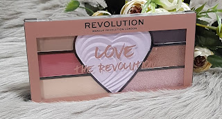 love the revolution far paleti