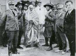 غراتسيانى الذي ارتعش امام هيبة عمر المختار