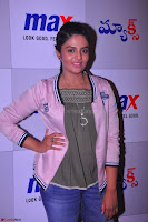 Sree Mukhi at Meet and Greet Session at Max Store, Banjara Hills, Hyderabad (15).JPG