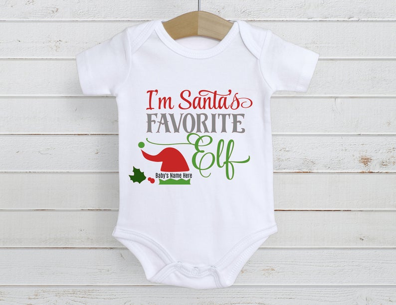 Is there a new little elf in your family?  I'll bet he or she is Sant'a favorite!