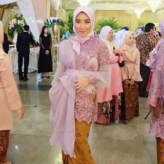 model baju kebaya pakai jilbab