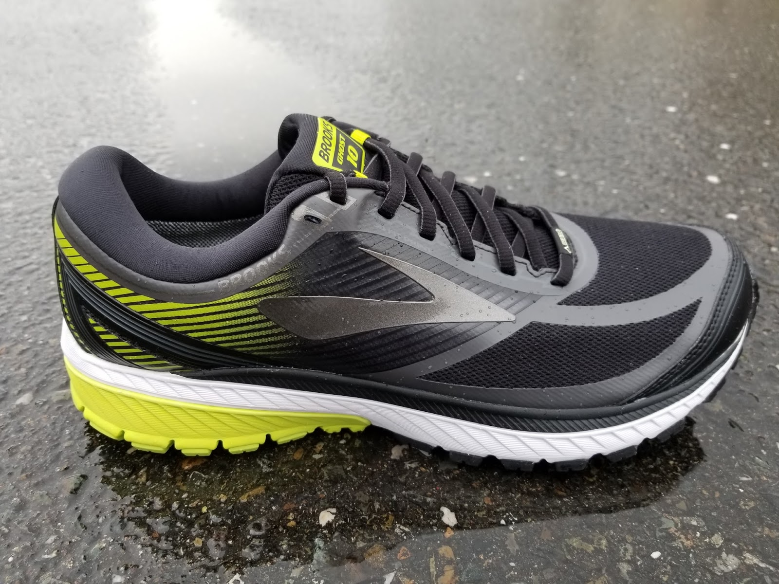 b4af1793b06 Both the Ghost 10 and Ghost 10 GTX have soft cushioning which uses Brooks  BioMoGo DNA midsole that adapts to your stride. The shoe has a new plush ...