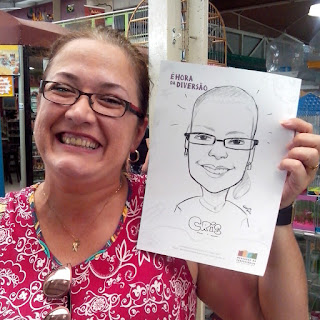 caricaturista em evento