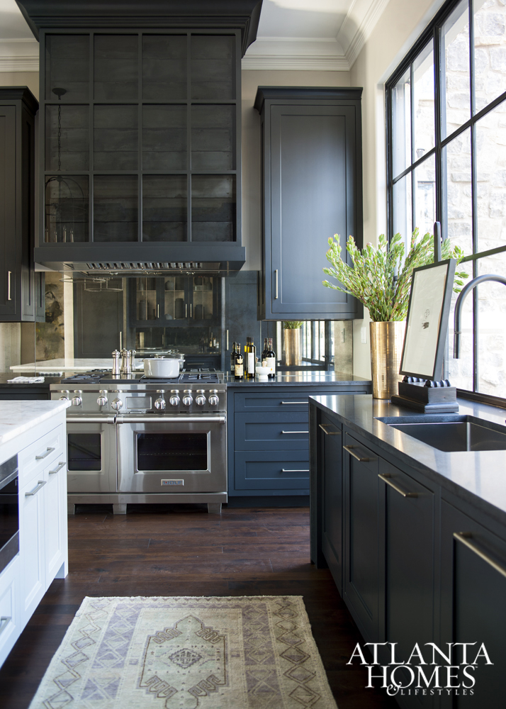 Eye For Design: Blue And White Kitchens......Classic AND Trendy