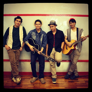 The Overtunes grup band mikha angelo