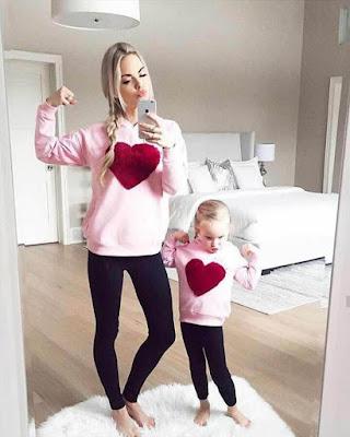 poses tumblr mama e hija frente al espejo