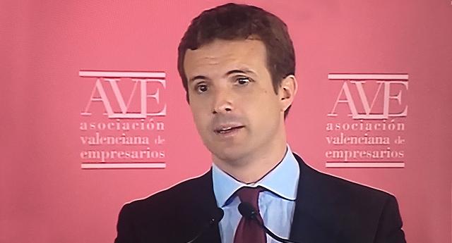 Pablo Casado quiere recortar el salario mínimo de 900 a 850 euros