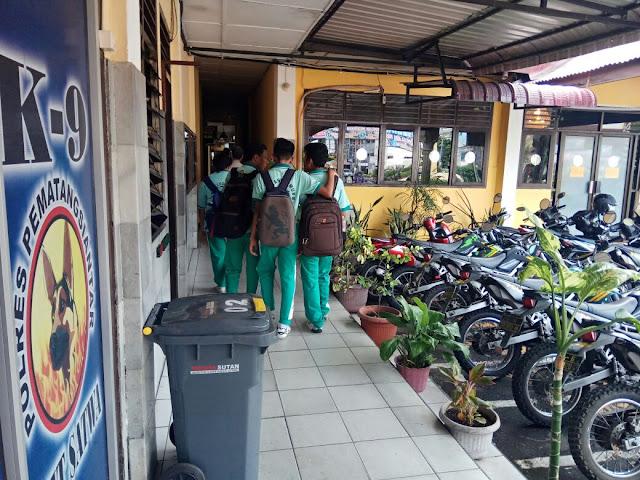 4 orang siswa RK Bintang Timur mendatangi unit PPA sat reskrim polres Siantar