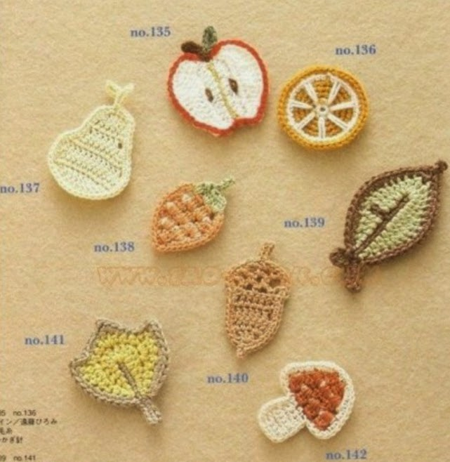 Apliques crochet con forma de frutas