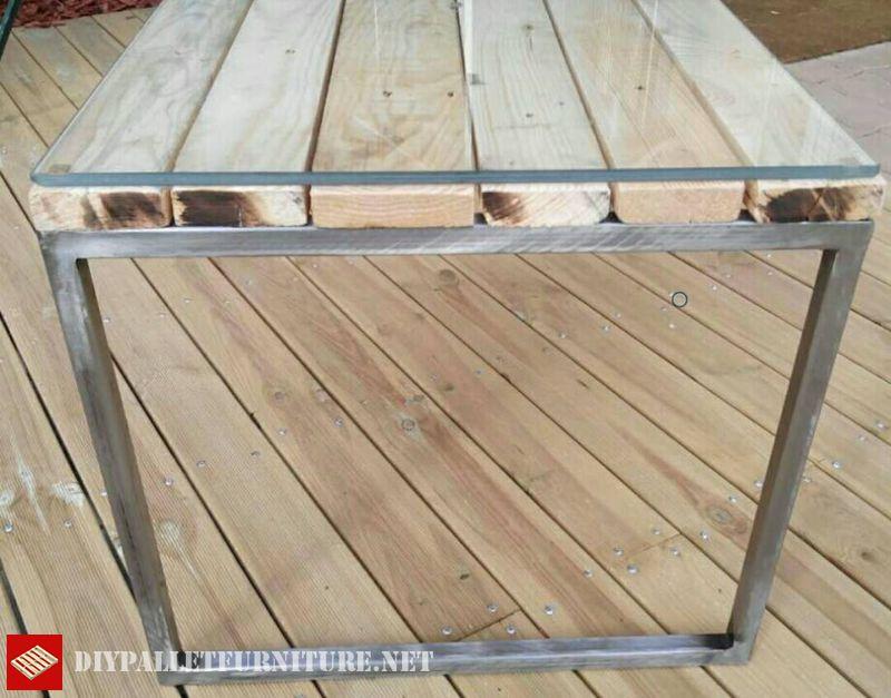 Mesa con estructura de acero y palets - Estructuras con palets ...