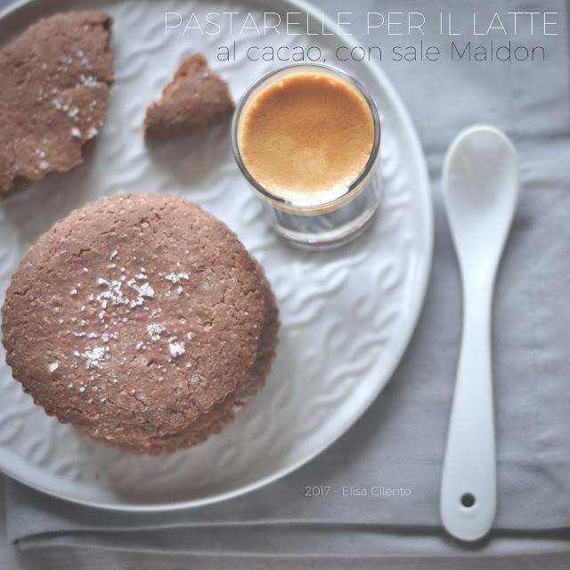 Pastarelle per il latte al cacao