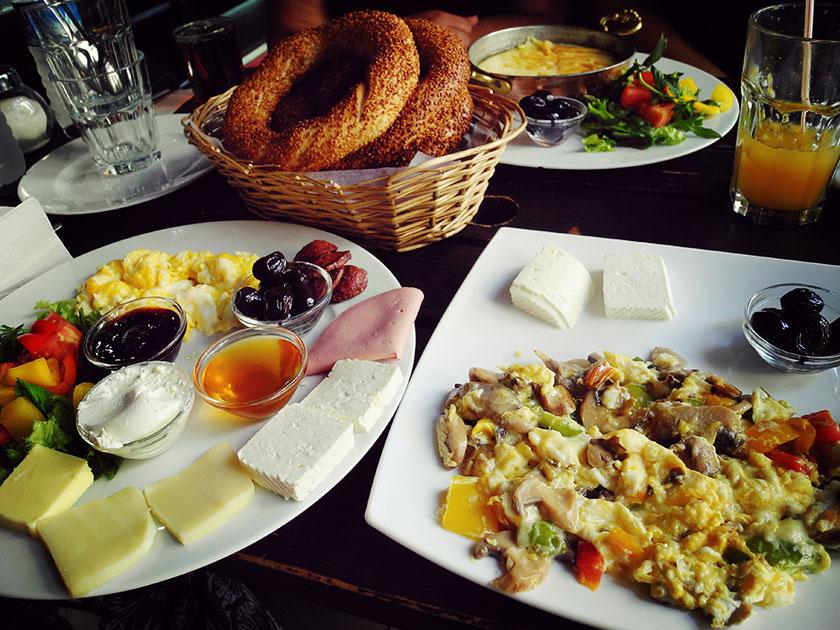 Breakfast, Breakfast Berlin, Frühstücken in Kreuzberg, Simit, La Femme