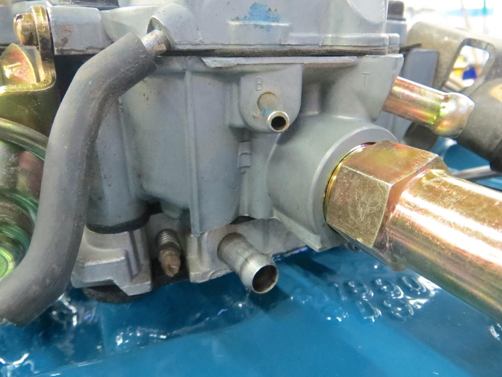 hight resolution of small port b manifold vacuum large upper port t carburetor bowl vent and large lower port manifold vacuum for the pcv valve