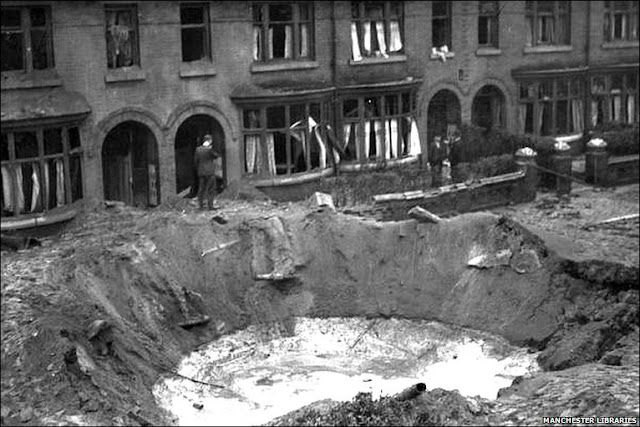17 September 1940 worldwartwo.filminspector.com bomb blast German land mine Bomben B