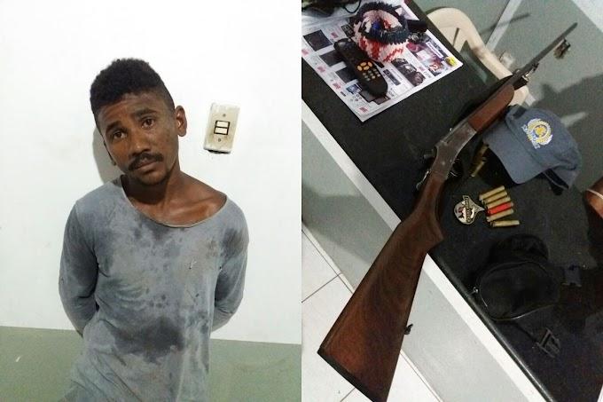 Armado Homem provoca baderna, atira para matar e acaba preso pela Polícia, em Santa Quitéria.