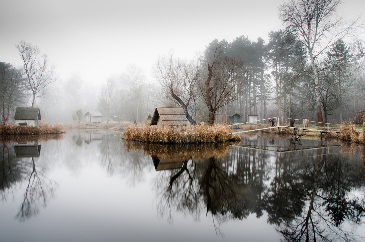 05-Viktor Egyed-Photographs-of-the-Enchanted-Fishing-Village-www-designstack-co