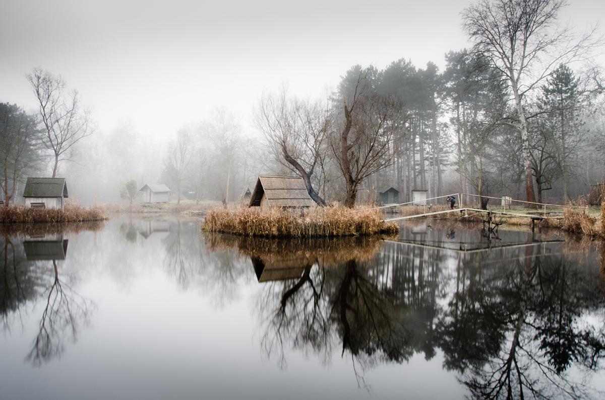 05-Viktor Egyed-Photographs-of-the-Enchanted-Fishing-Village-www-designstack-co