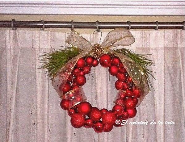 Corona De Navidad Con Una Percha Y Bolas Paso A Paso Foto A Foto