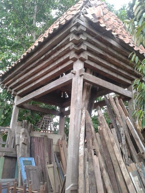 Rangka tengah rumah Joglo