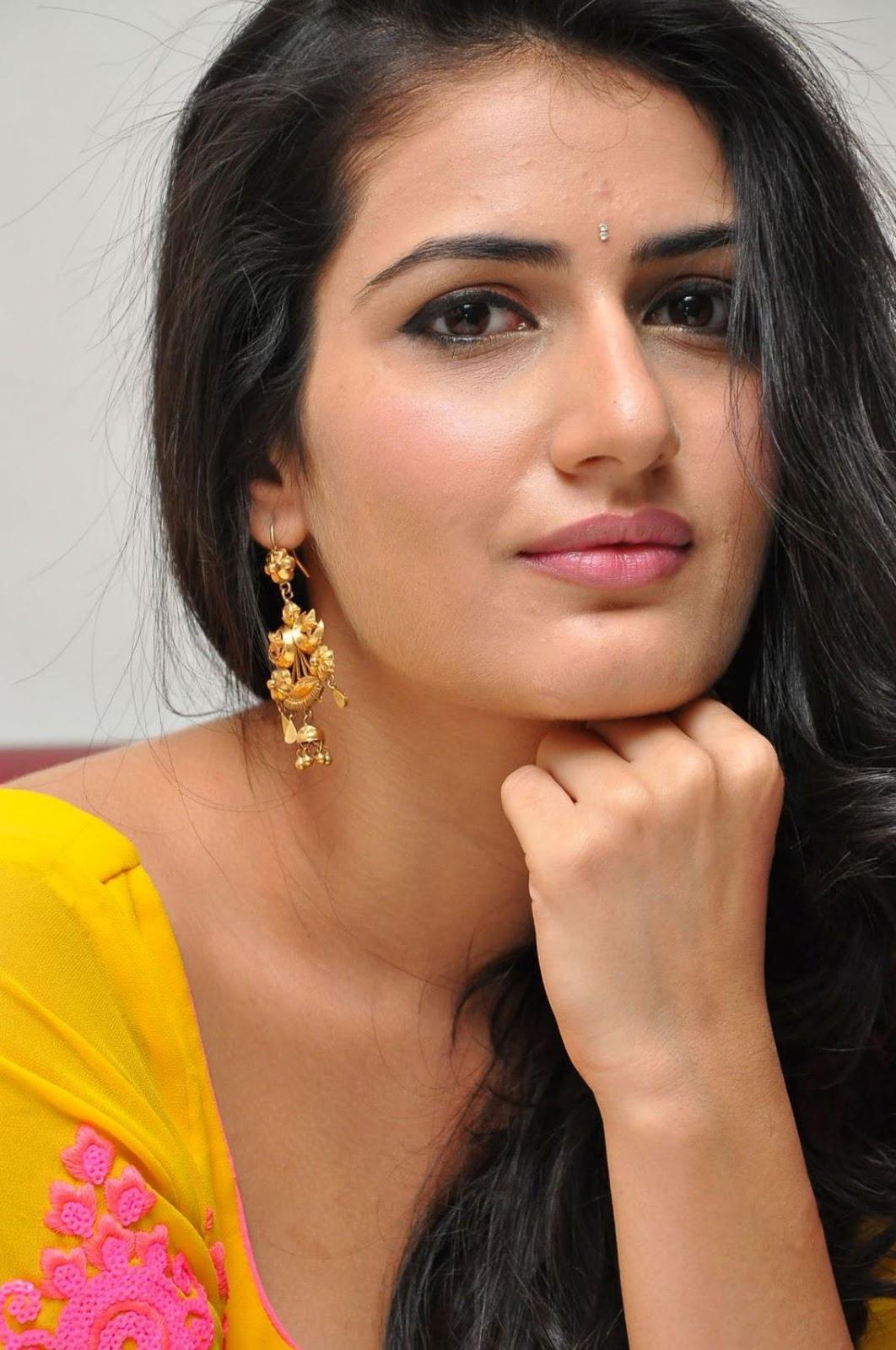 Actress Sana Photos  Telugu Heroine-6997