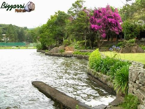 Construção de muro de arrimo com pedra rachão para executar a construção do lago que tem quase 1 km de comprimento por até 300 m de largura e em volta a execução do paisagismo.