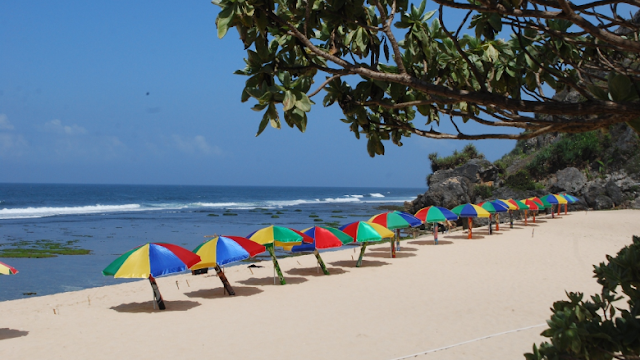 Payung Pantai Wisata Pantai Pok Tunggal Yogyakarta