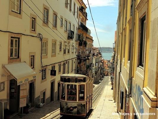 Elevador da Bica, Barrio Alto, Lisboa