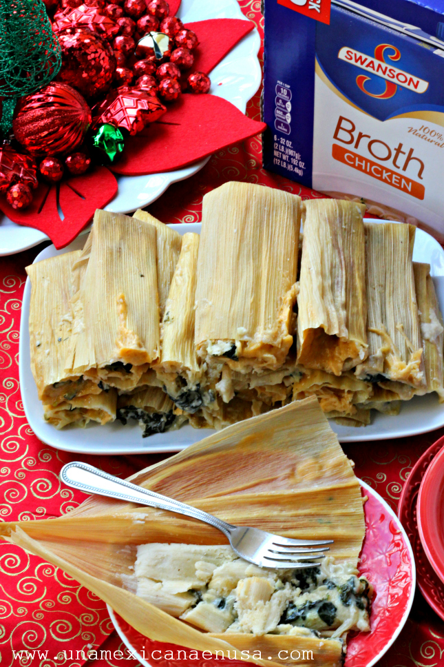 How to make easy tamales with spinach and cheese filling by www.unamexicanaenusa.com