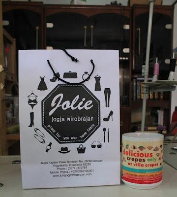hadiah merchandise dari Jolie Jogja Wirobrajan