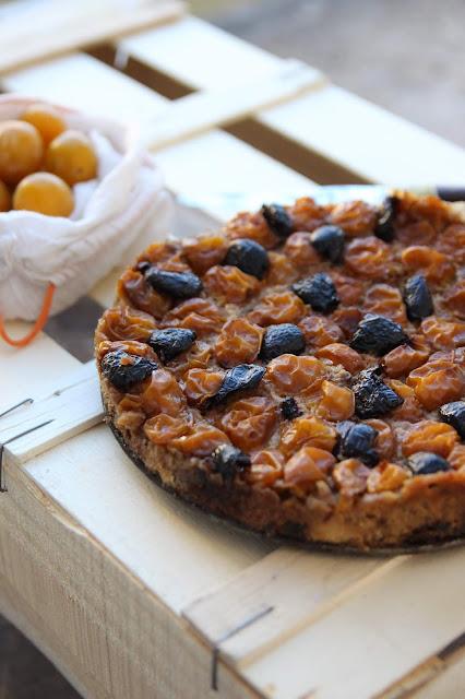 Fougasse façon pudding aux mirabelles et aux olives
