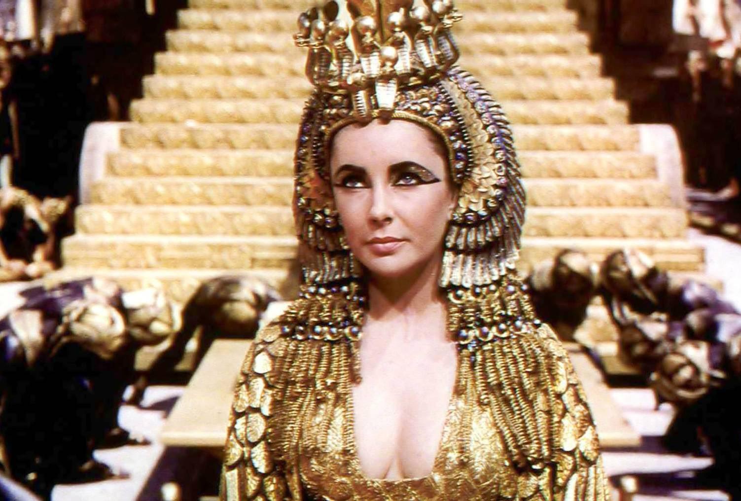 kuwento ni kapitan kokak: Cleopatra's Suicide