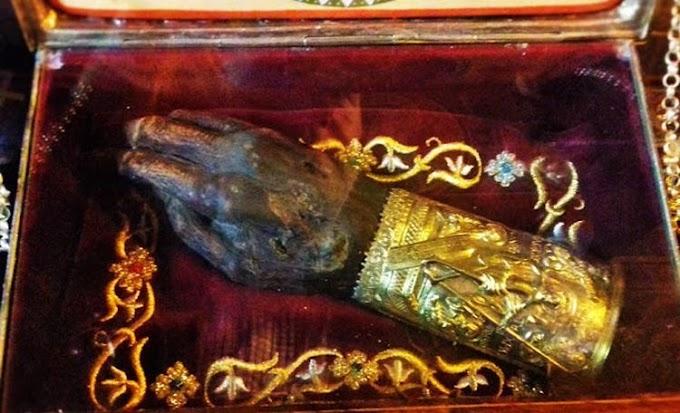 Το άφθαρτο δεξί χέρι του Αγίου Γρηγορίου του Θεολόγου (ΦΩΤΟ)