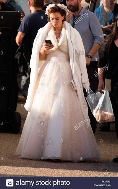 Margaret (Vanessa Kirby) vestido casamento Elizabeth