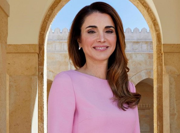 Queen Rania wore Valentino Virgin wool and silk dress for gave an interview with The Sunday Times Magazine