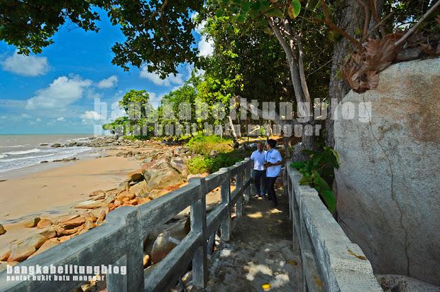pantai-indah-belitong-bukit-batu-manggar