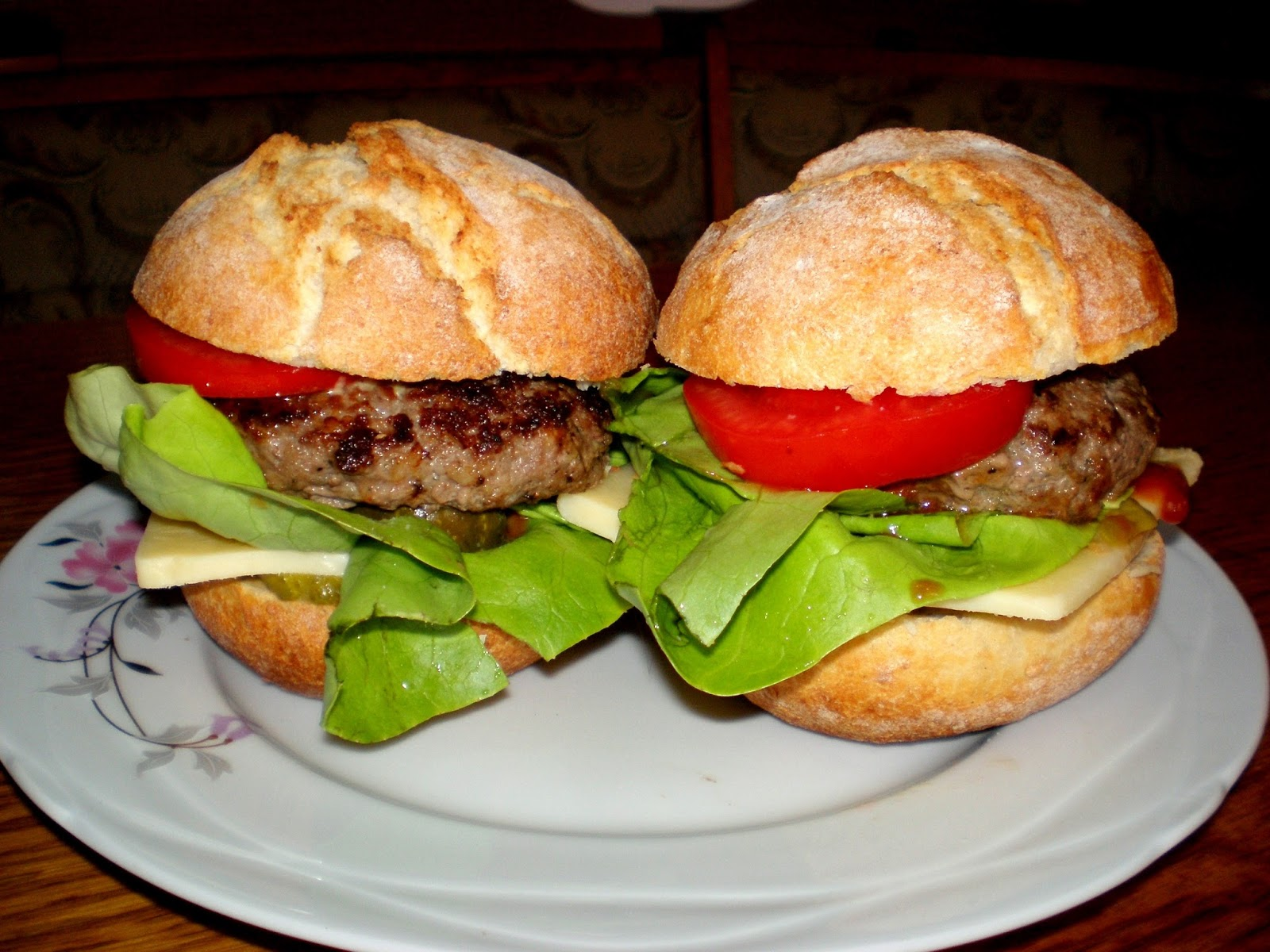 Hamburger de casă