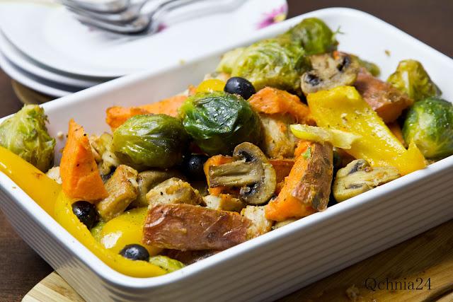 przepis na brukselkę z warzywami i miodem