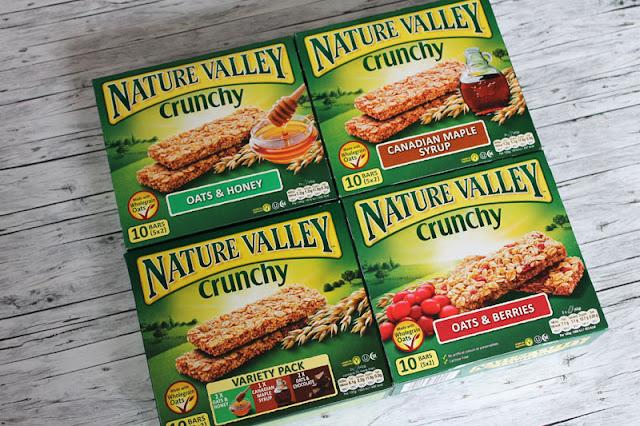 Testpaket mit vier Sorten der Nature Valley Crunchy Riegel