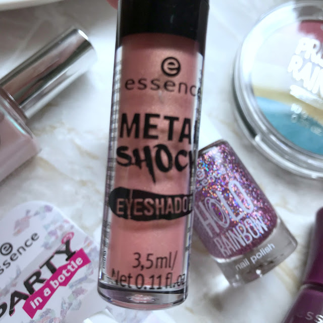 Essence Metal Shock Eyeshadow One Second To Mars