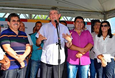 Célio Barbosa inaugura rodovia ao lado de Ricardo Coutinho e Adriano Galdino
